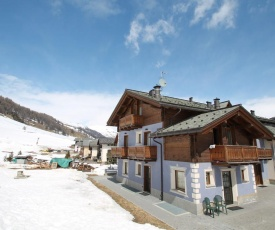 Well-furnished Holiday Home in Livigno Italy near Ski Area