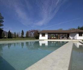 Lesa Villa Sleeps 8 Pool Air Con